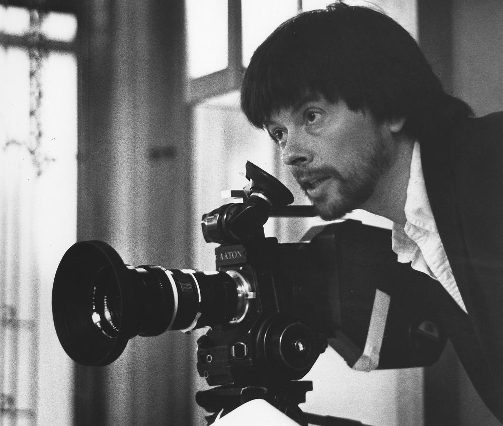 Ken burns taking a picture